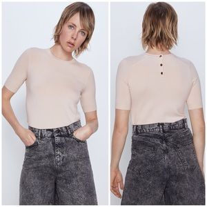 Zara Basic Short Sleeved Sweater with Back Buttons